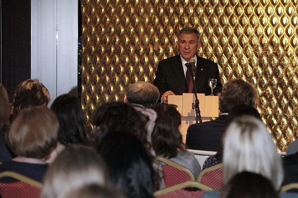 Рустам Минниханов выступил на заседании медиаклуба при Полномочном представительстве Татарстана в России в Москве.