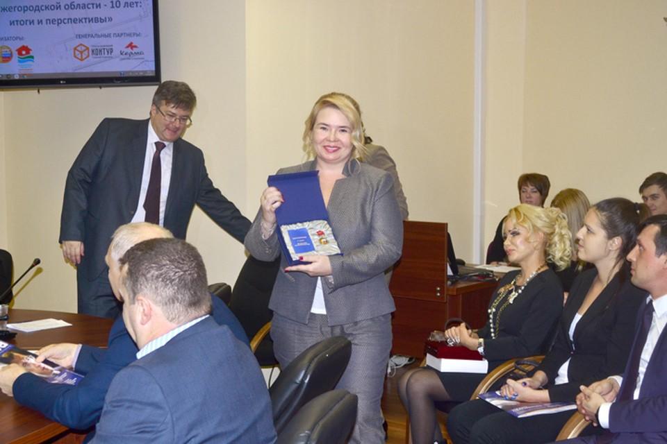 Президент компании «Евродом» Алена Харитонова на церемонии награждения. Фото предоставлено компанией «Евродом».