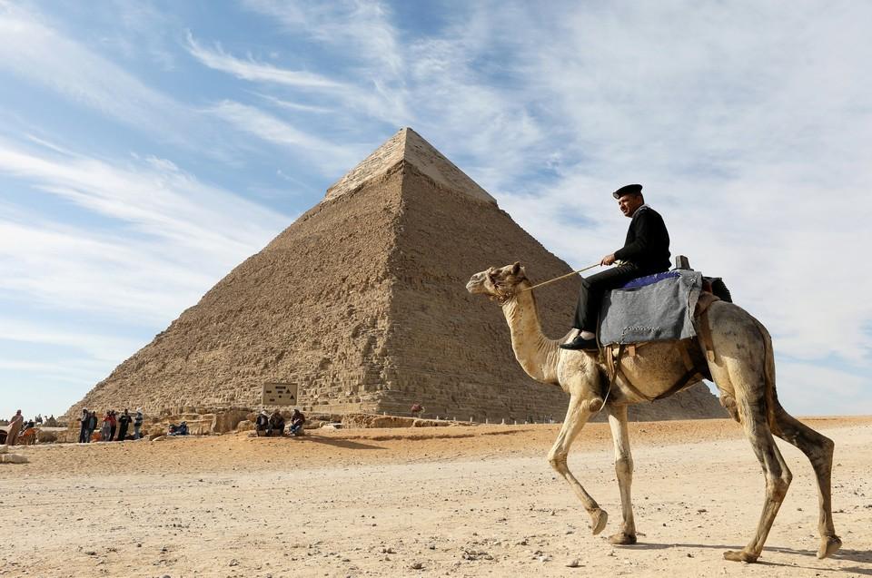 Регулярное авиасообщение вновь было открыто в Каир.