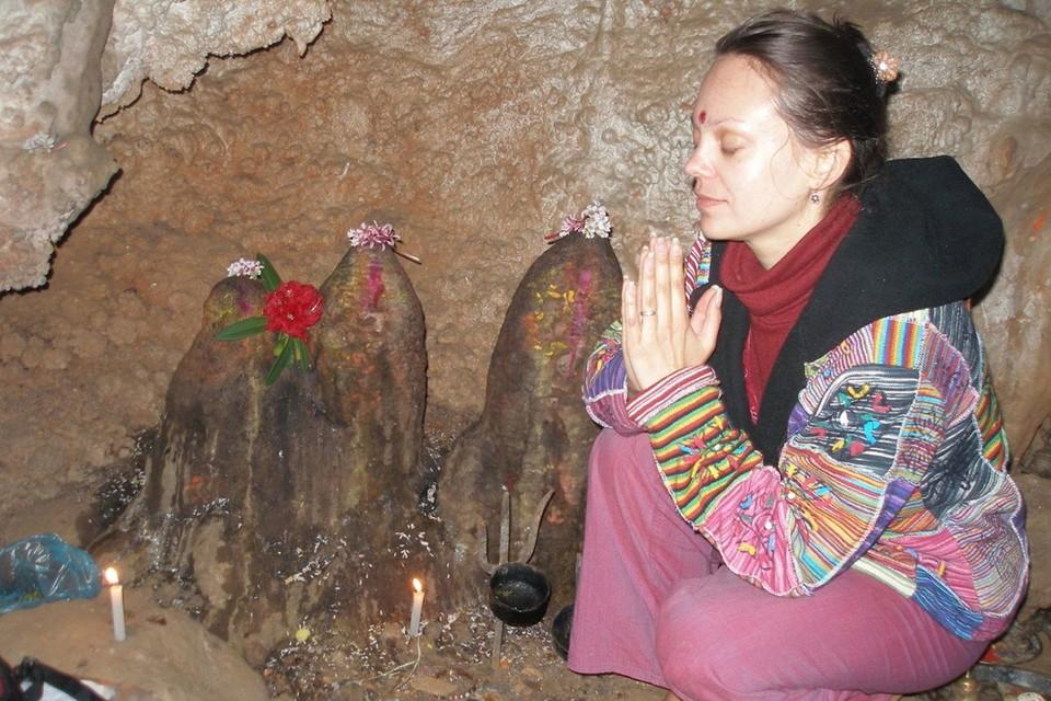 Елена Байкова, она же Лола, она же Лила, советовала своим ученицам устраивать жесткие голодовки «для восстановления оболочек и милости Бога».