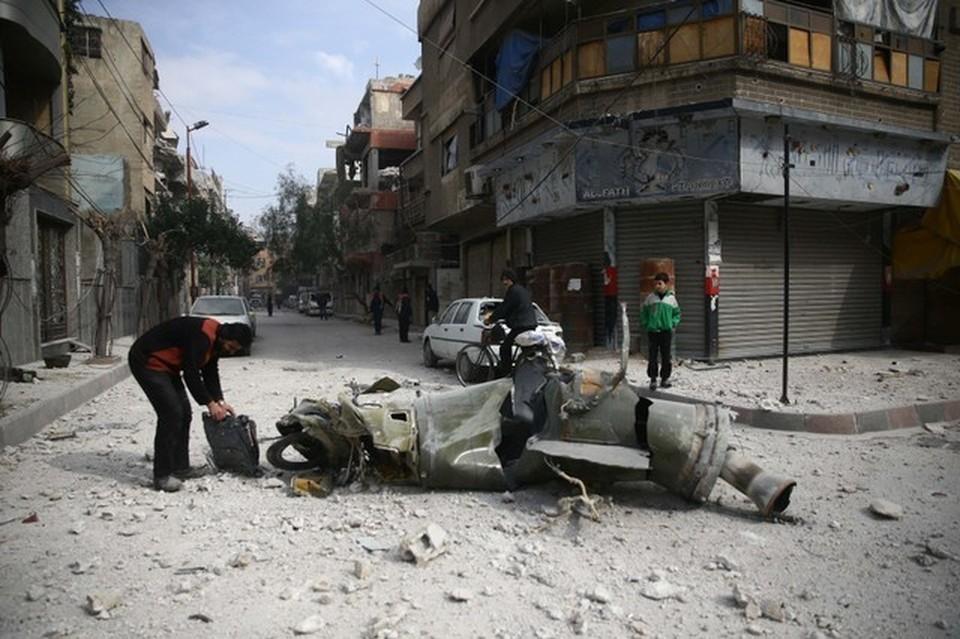 Террористы в Сирии за сутки выпустили 27 мин и две ракеты по районам Дамаска