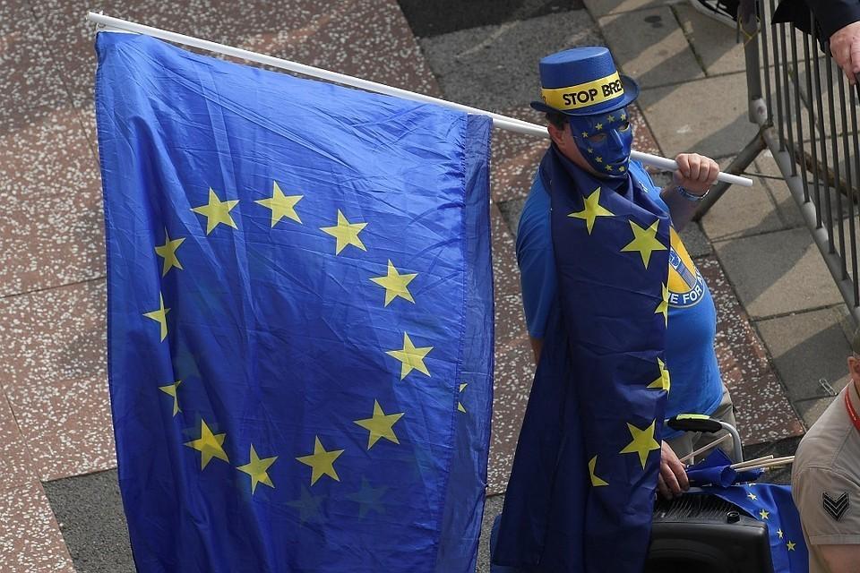 ЕС продлил индивидуальные санкции, но не определился с общими.