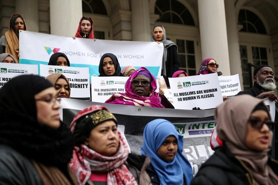 Власти Нью-Йорка заплатят 180 тысяч долларов женщинам-мусульманкам, которых заставили снять хиджаб