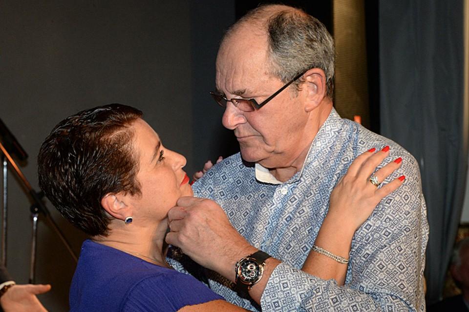 78-летний Эммануил Виторган и его 56-летняя жена Ирина стали родителями