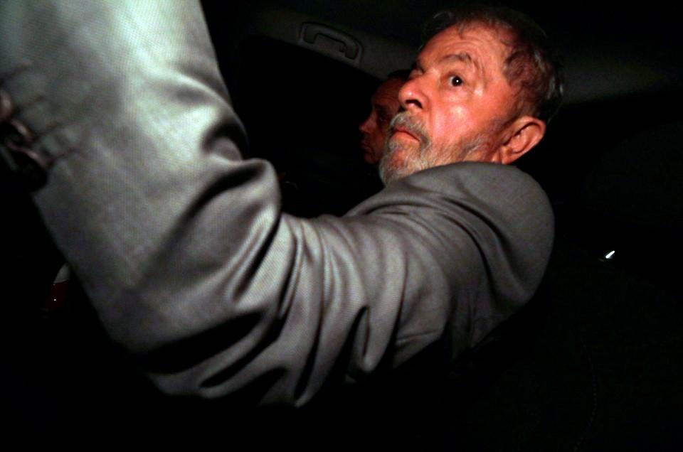 Экс-президент Бразилии Луис Инасиу Лула да Силва все еще имеет гражданскую поддержку