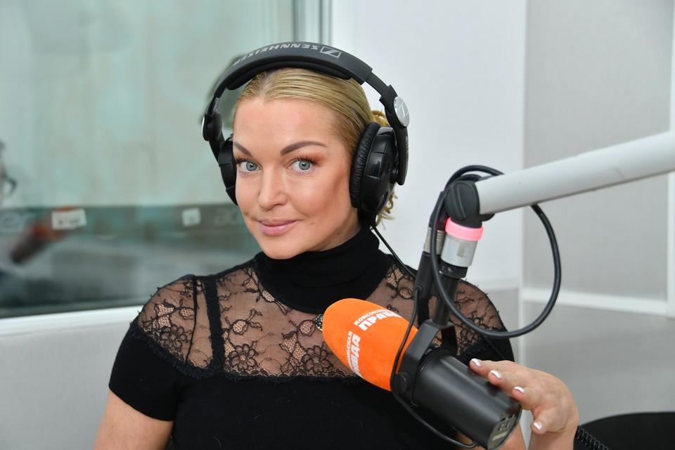 В прошлом году Анастасия Волочкова рассказала «КП», что ей пришлось уволить обокравшего ее водителя Александра Скиртача