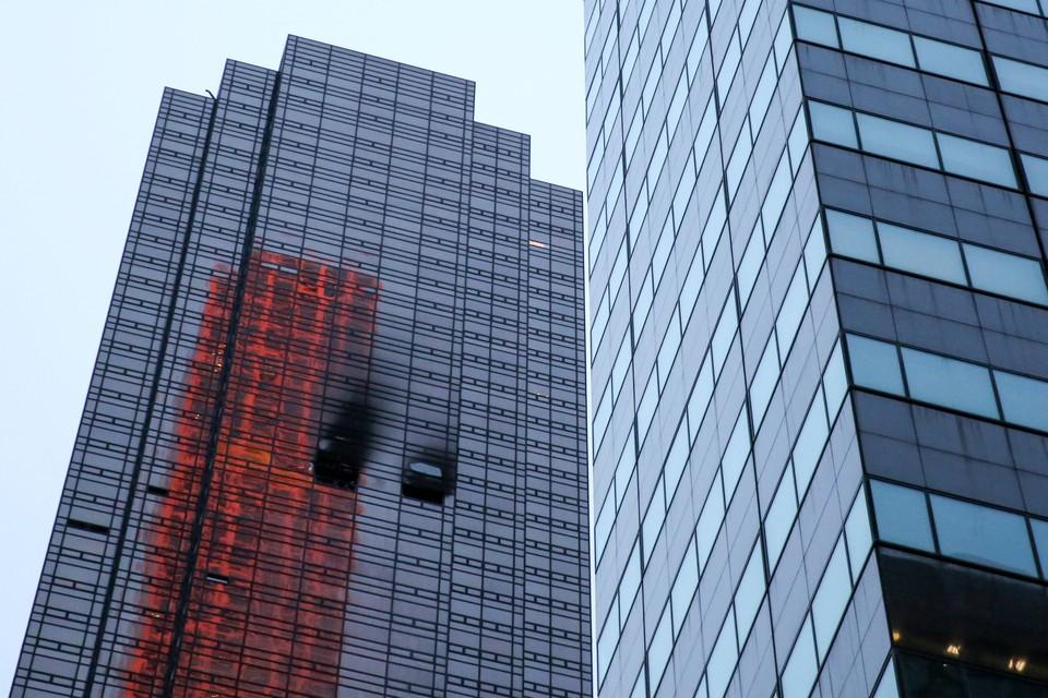 Пожар возник на 50-м этаже небоскреба Trump Tower
