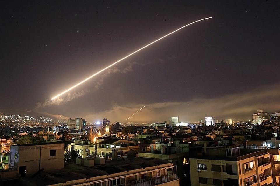 США, Франция и Британия начали бомбить Сирию