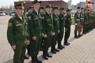 Шестнадцать липецких призывников проводили в армию с площади Петра Великого