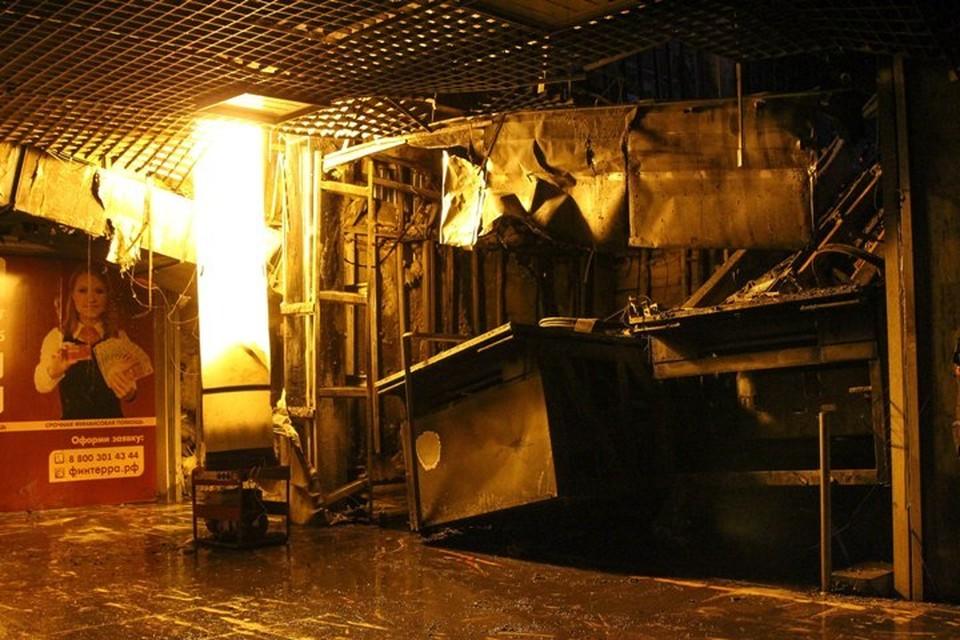 """Причиной пожара в """"Зимней вишне"""" могло стать замыкание в светодиодном светильнике над игровой комнатой"""