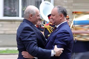 Президент Беларуси Лукашенко - в Кишиневе: «У вас демократия, а не диктатура, как у нас!»