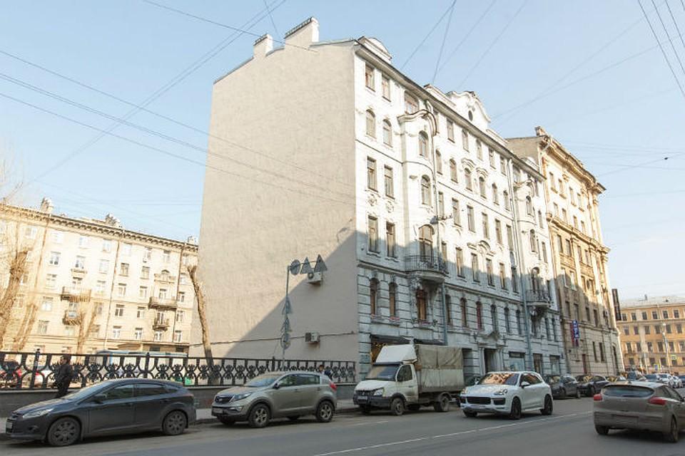 Справку с места работы с подтверждением Крестовский 2-й переулок выписка из банка для получения шенгенской визы
