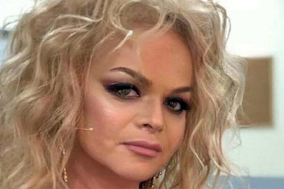 Довольно смелые фото певицы в Инстаграме шокировали верных поклонников ее таланта