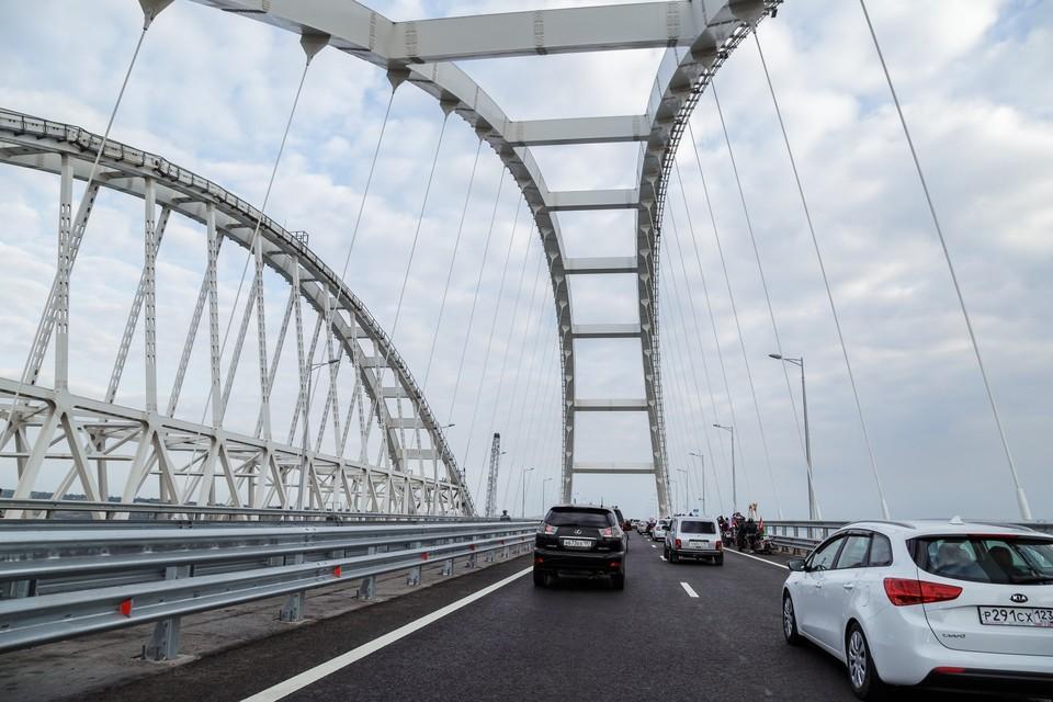 С началом движения по Крымскому мосту автотранспортный поток между Кубанью и Крымом увеличится на 35-40 процентов.