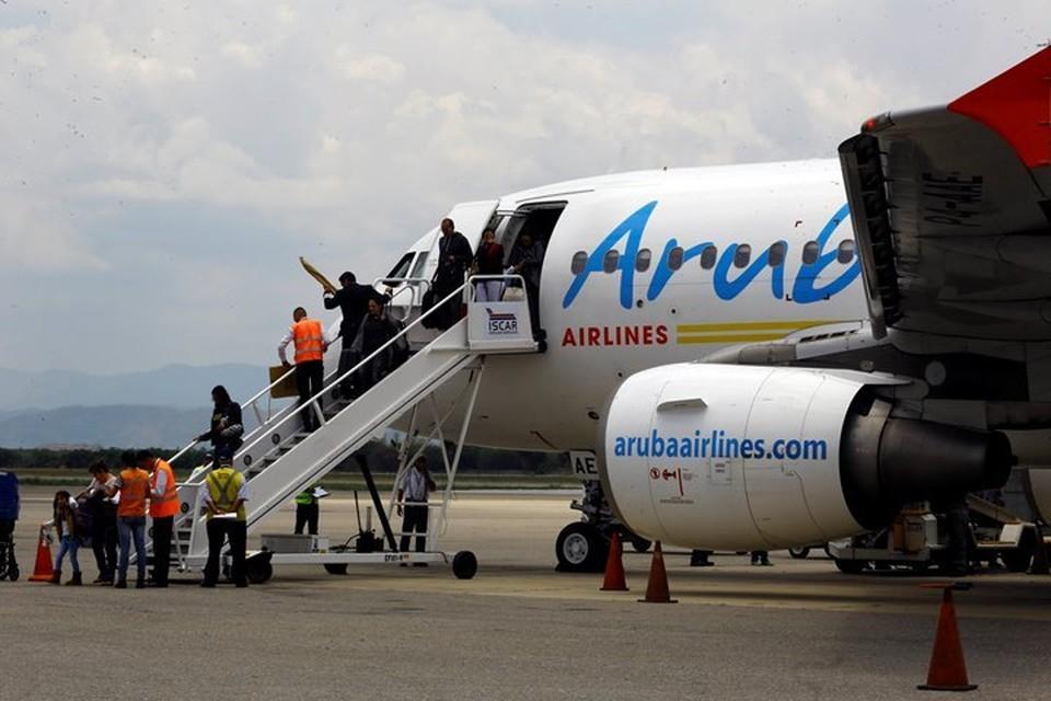 Самолет авиакомпании Aruba Airlines