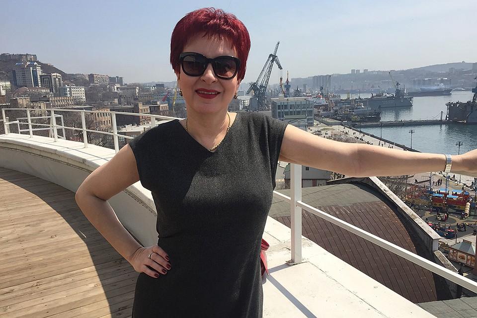 Специальный корреспондент Дарья Асламова во Владивостокском порту. Фото: Личный архив Дарьи Асламовой