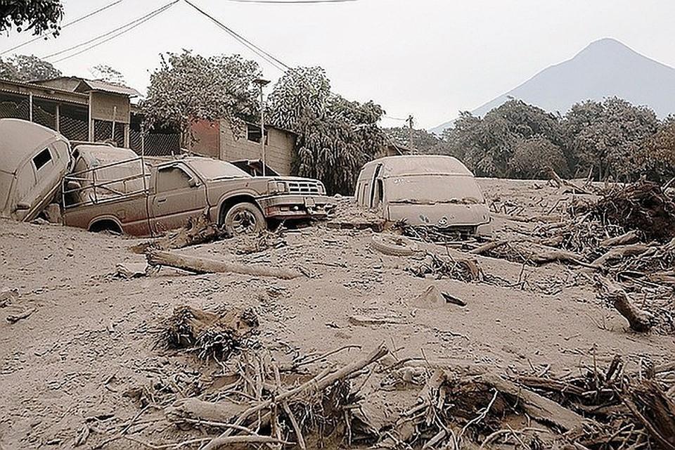 В Гватемале началась массовая эвакуация из-за извержения вулкана Фуэго