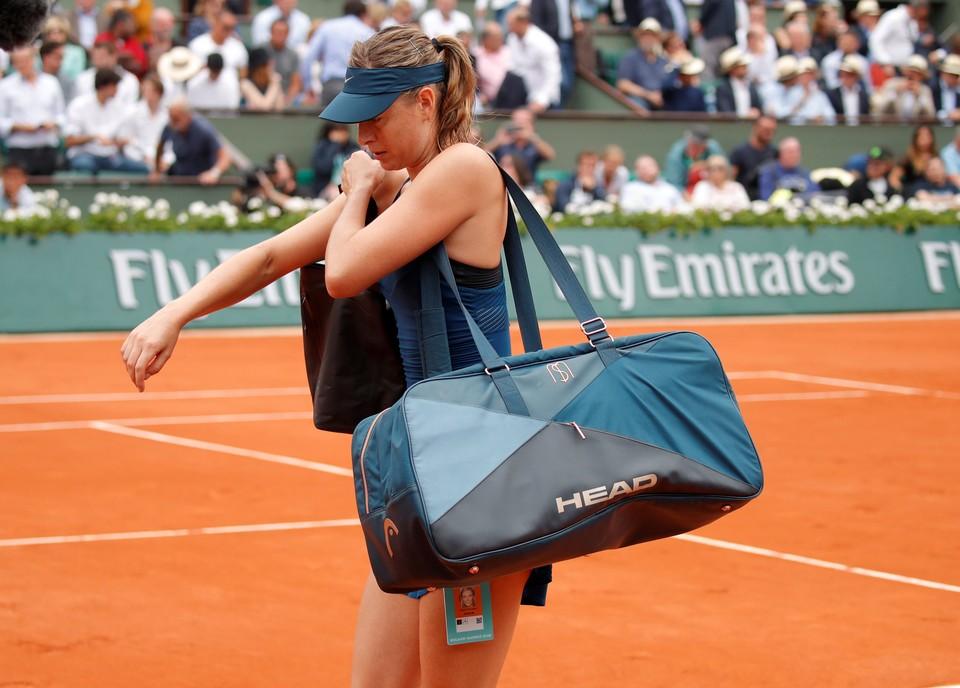 Мария Шарапова завершила выступления в Париже.