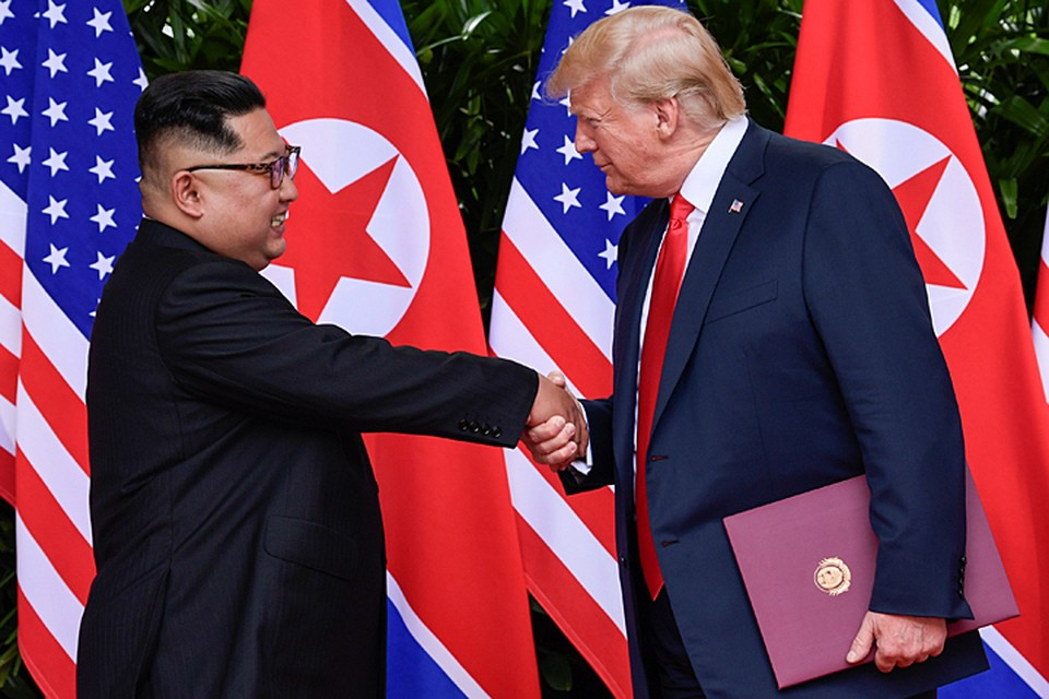 По итогам переговоров лидеры США и КНДР подписали всеобъемлющий документ