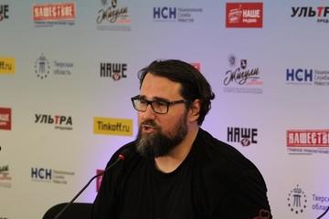 Лидер группы «Северный Флот» Александр Леонтьев на «Нашествии» в Тверской области: «Мне всё равно, что хотят мои фанаты»