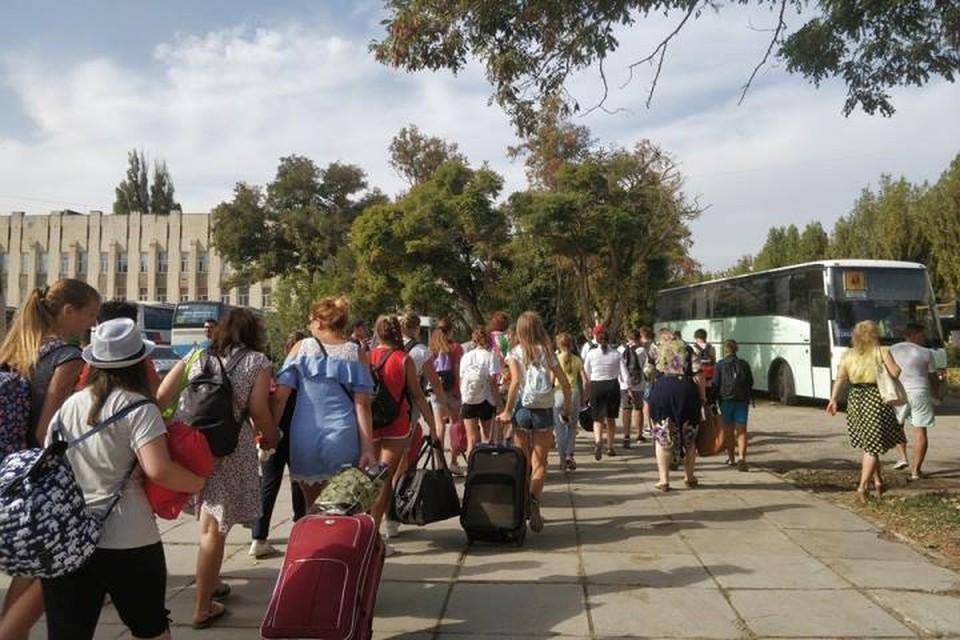 Из города 4 сентября вывезли 2 300 детей.