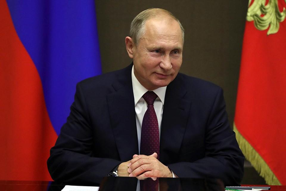 Владимир Путин сменил руководителей в трех разных регионах, разрубив при этом один запутанный узел