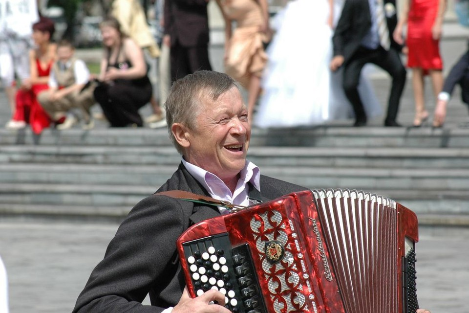 Декада пожилого человека в Новосибирске - это выставки и театры с огромными скидками.