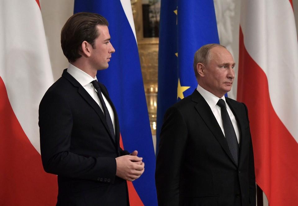 Путин и канцлер Австрии Курц открыли выставку в Эрмитаже