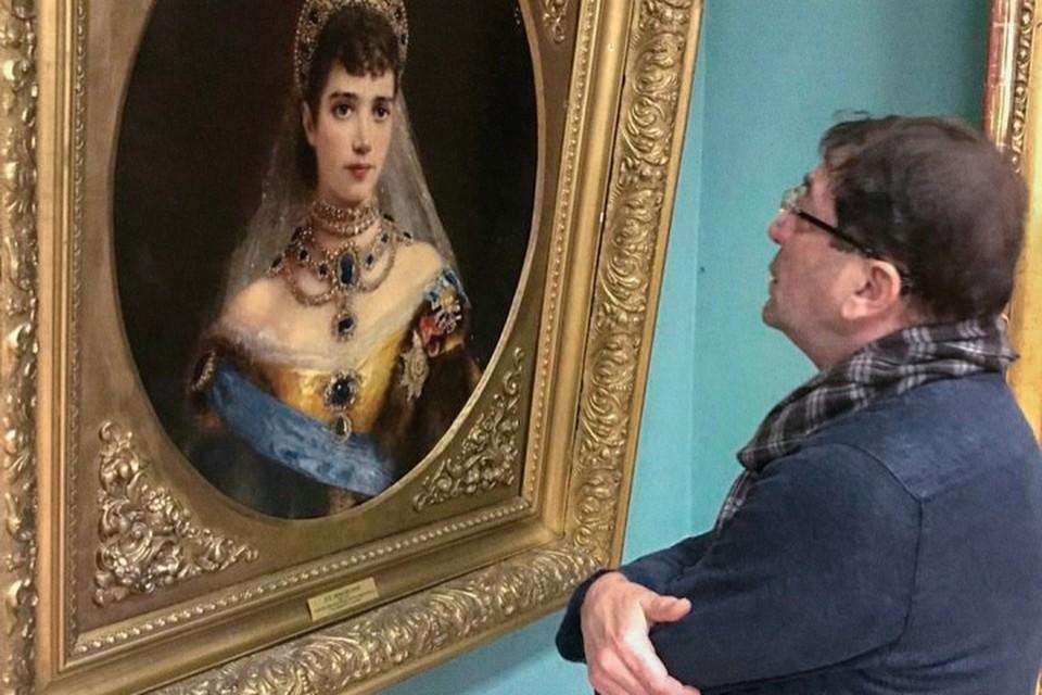 Григорий Лепс опубликовал в инстаграме фото картин из Иркутского художественного музея. Фото: инстаграм Григория Лепса