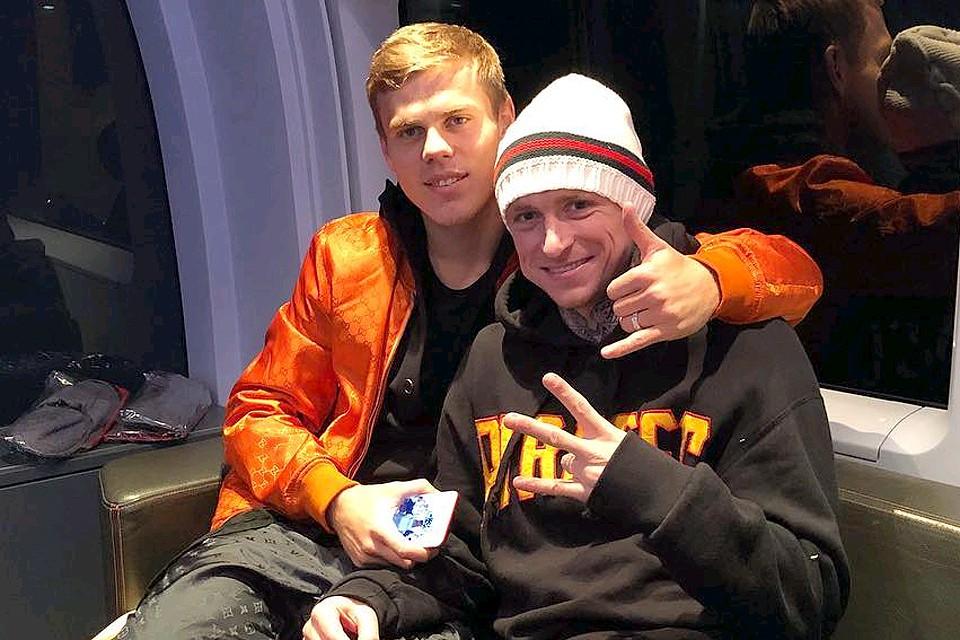 Футболисты Кокорин и Мамаев - давние друзья.