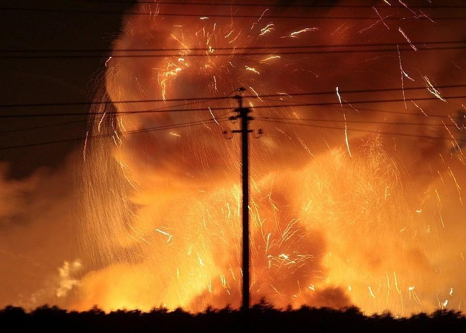 Генштаб ВСУ: Очаги пожара на складе боеприпасов в Черниговской области локализованы