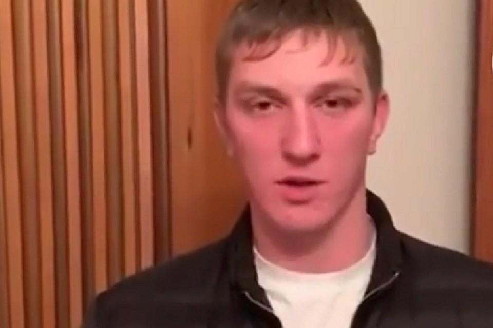 pristala-k-parnyu-video-porno-v-lesu-russkaya-blondinka-s-lisim-dyadkoy