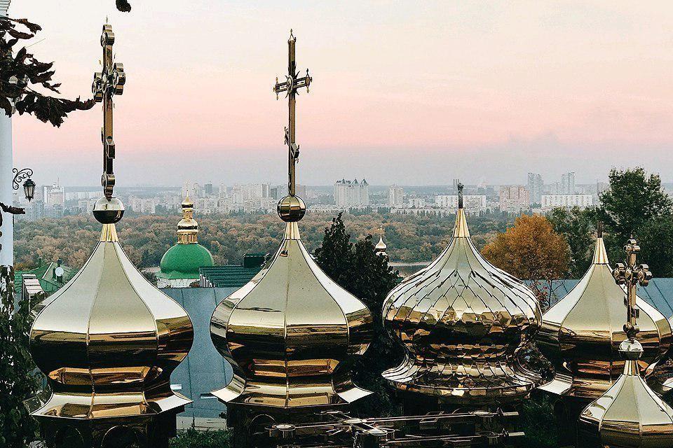 На богатейшие монастыри украинские православные раскольники заглядываются давно. Фото: Арина СУВОРОВА
