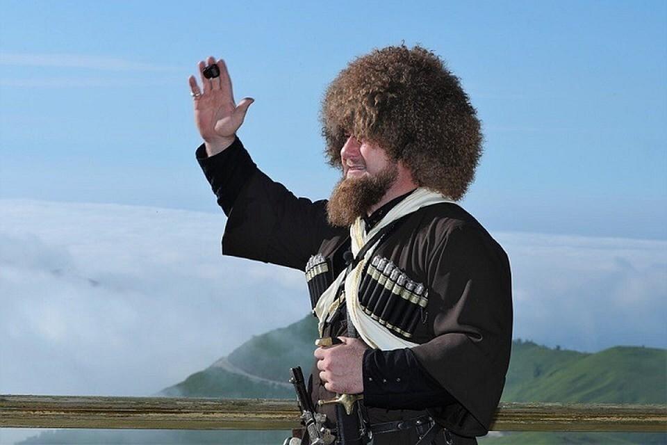 Кадыров показал, что он делает с пузатыми гаишниками