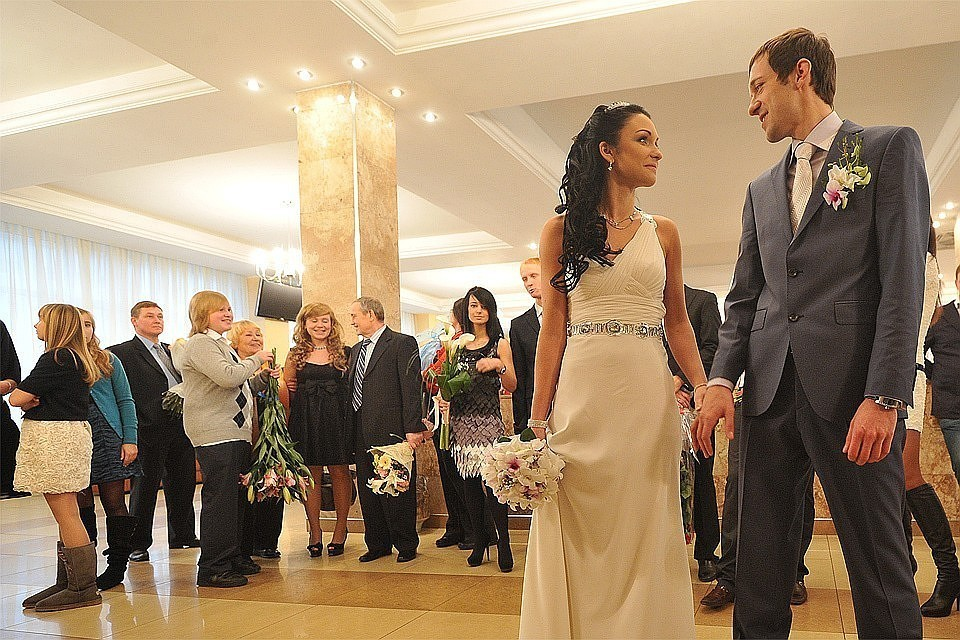 В Москве за 2018 год зарегистрировали свыше 60 тысяч браков