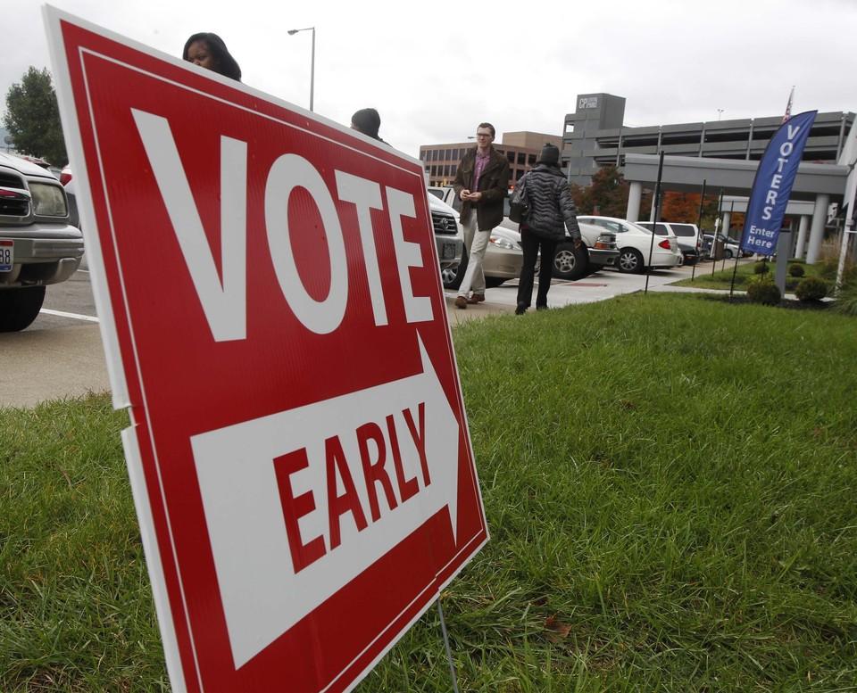 Указатель на пункт проведения досрочного голосования в США