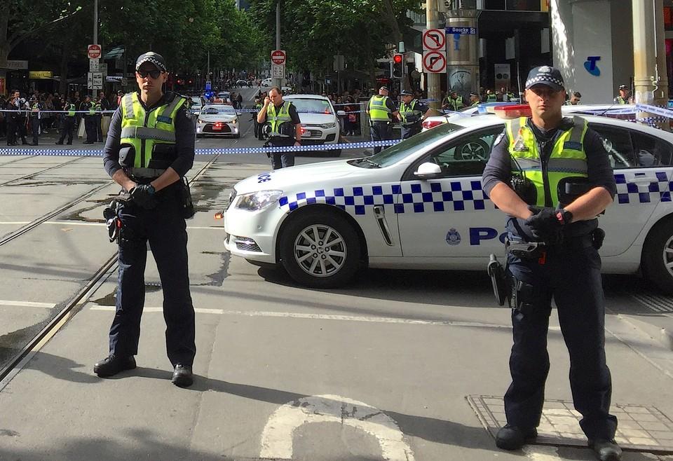 Суд Австралии признал троих мужчин виновными в подготовке теракта зимой 2016 года.