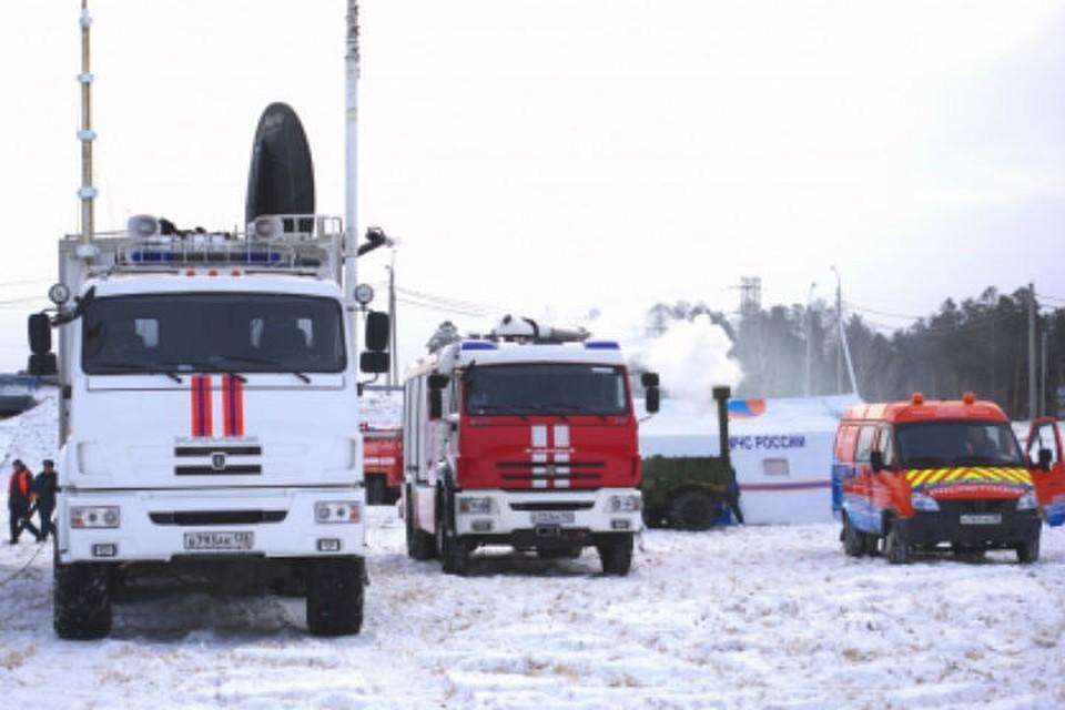 Спасатели патрулируют опасные участки трасс в Иркутской области. Фото: ГУ МЧС России по Иркутской области.