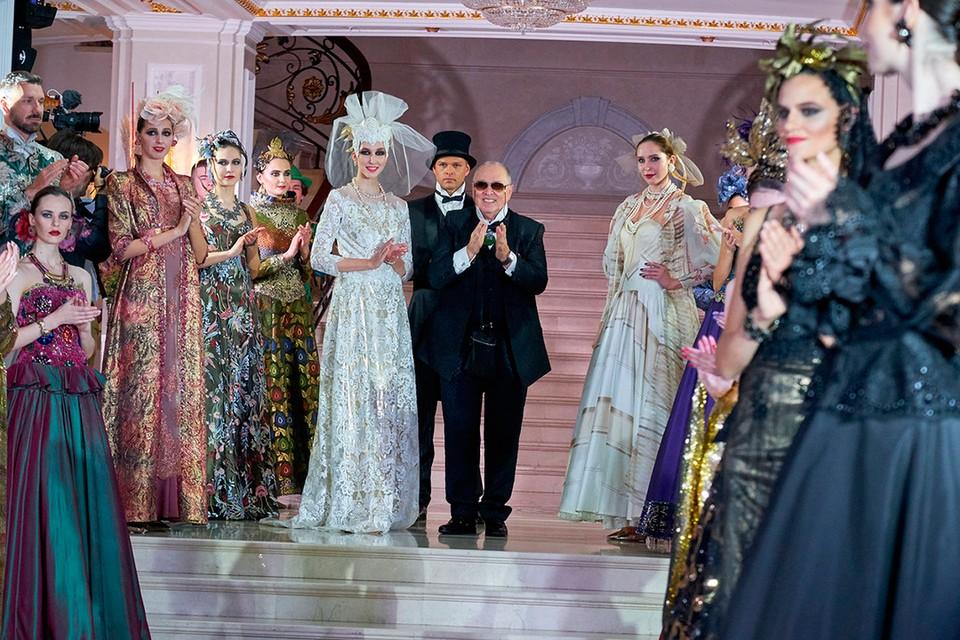 «КП» - Петербург» побывала на показе и собрала для вас самые яркие наряды кутюрье.