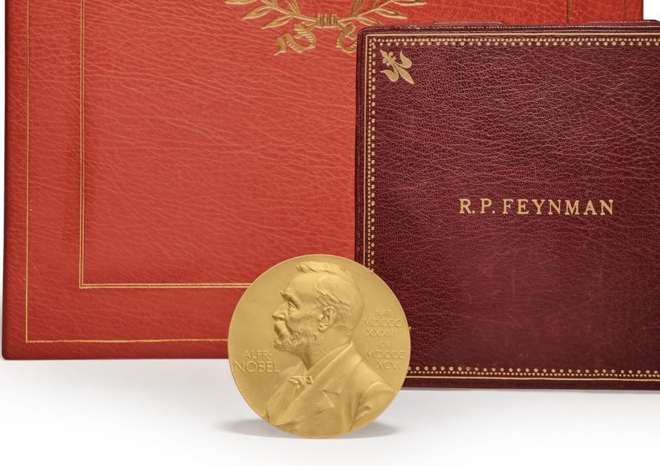 Нобелевская медаль физика Ричарда Фейнмана ушла с молотка за $975 тыс.. Фото с сайта Sotheby's.