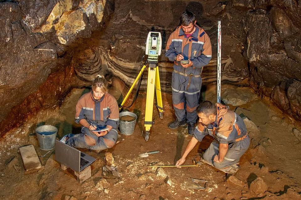Загадки Денисовой пещеры: Археологи нашли древнюю диадему