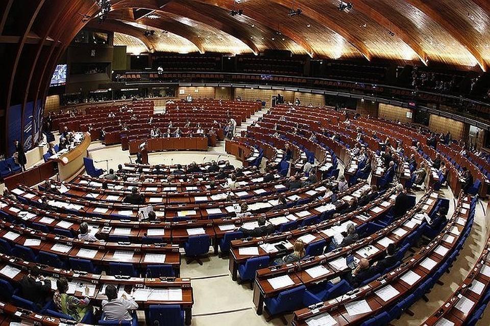В Швейцарии посчитали неприемлемым отстранение России от участия в работе ПАСЕ.