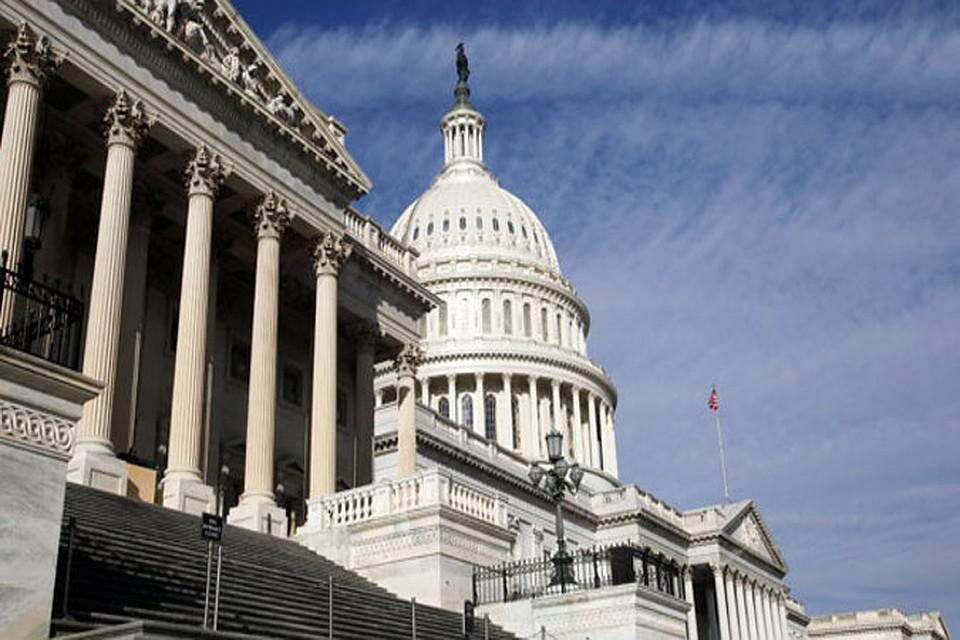 """Конгресс США поддержал ведение санкций против """"Северного потока-2"""""""