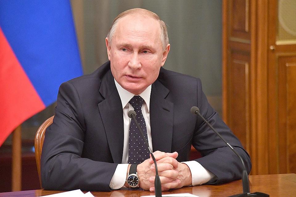 Президент России Владимир Путин на предновогодней встрече с правительством.