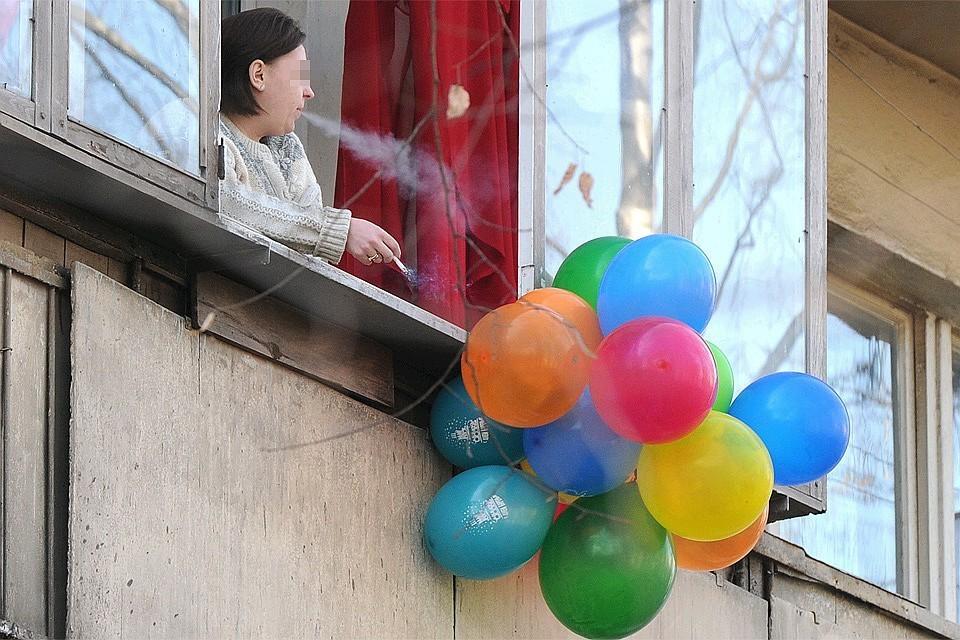 Верховный суд обязал курящих жильцов компенсировать вред соседям