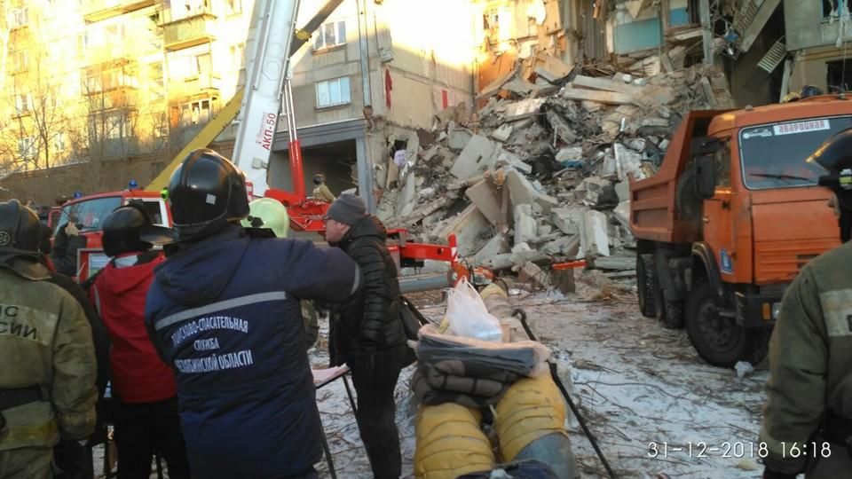 По состоянию на вечер 31 декабря погибшими при взрыве газа в Магнитогорске числятся семь человек.