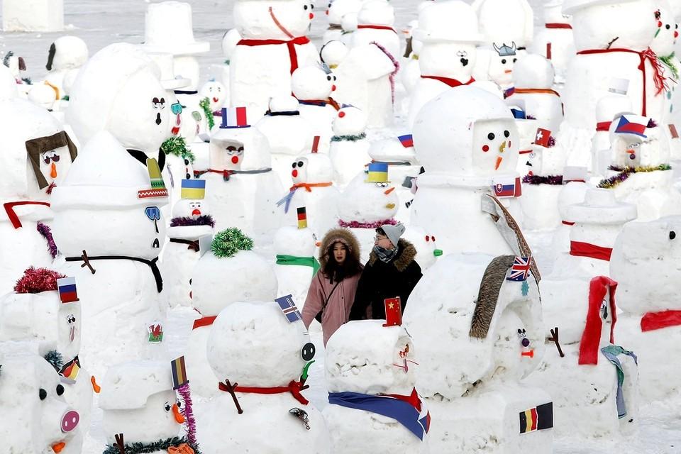 В фестивале льда и снега приняли участие 16 команд из 12 стран