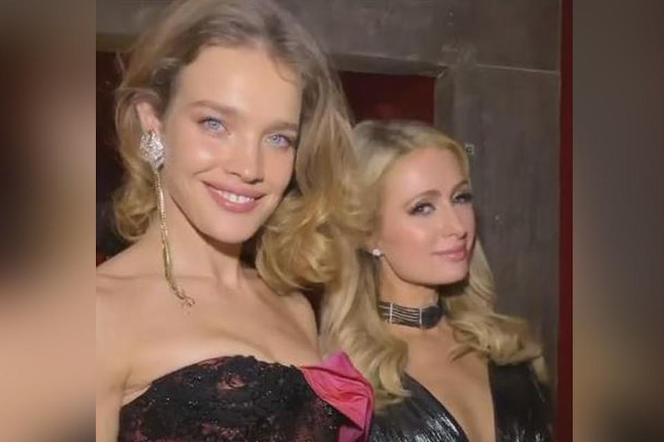 36-летняя Наталья Водянова и 37-летняя Пэрис Хилтон на вечеринке в Италии.