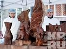 В Мурманске изготовили 500-килограммовую статую из шоколада