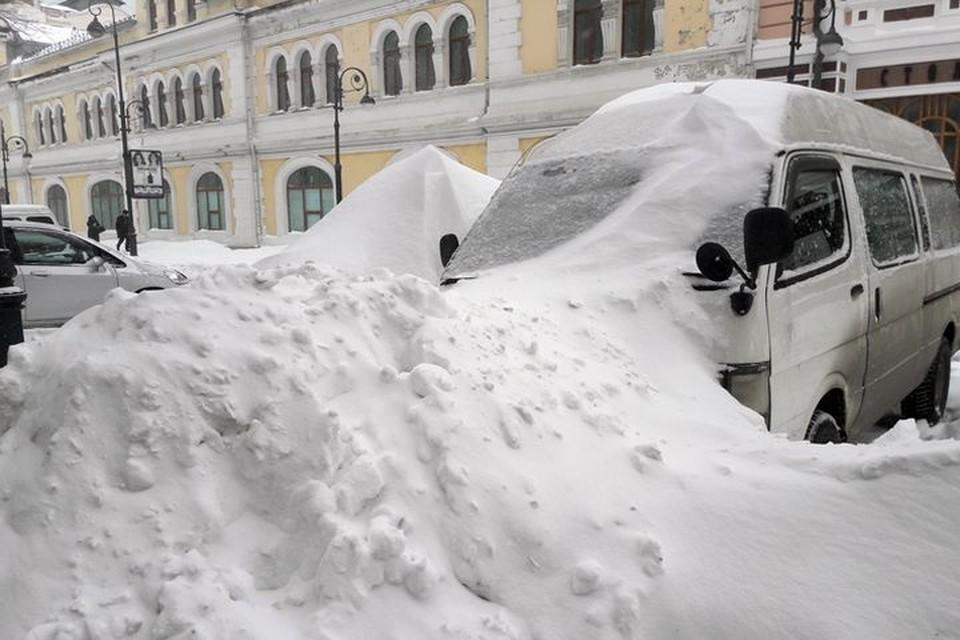 Такого снега, как в марте 2018-го, в начале этого года во Владивостоке пока ещё не было